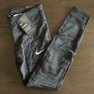 Nike Epic Lux Running Tight Size S NWT